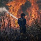 紀實攝影:打火弟兄們與火燒山