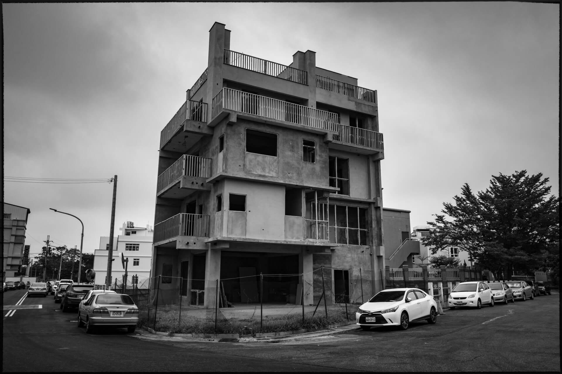 LEICA-house1