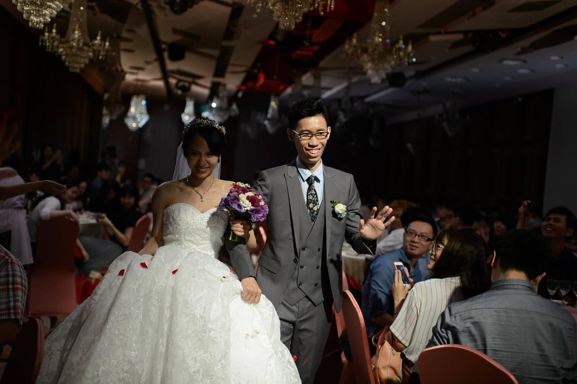 雙魚的海邊-婚禮攝影-閃燈前後對比圖